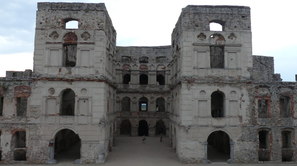zamek krzyztopór